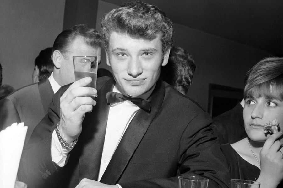 Sa belle soirée d'anniversaire — Johnny Hallyday