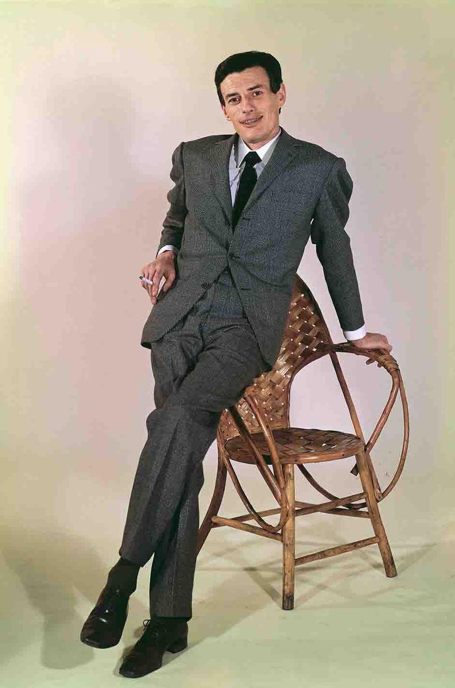 Jean Ferrat en 1963.