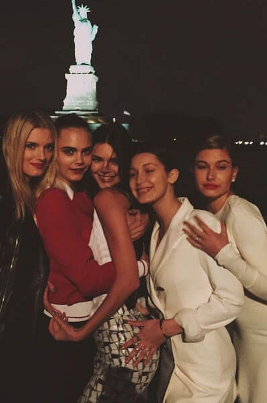 Kendall avec ses copines mannequins.