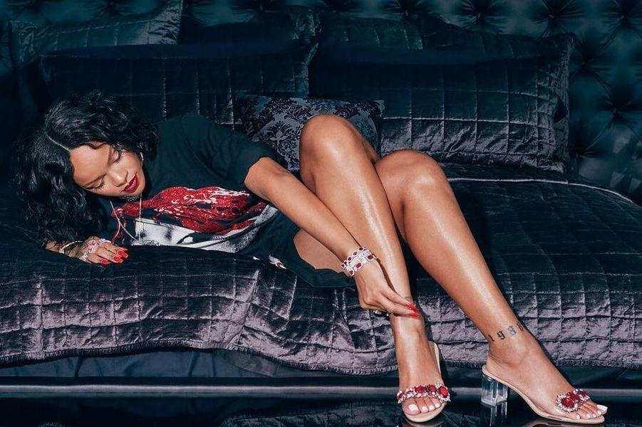 Rihanna pour sa collection pour la marque de chaussures Manolo Blanik