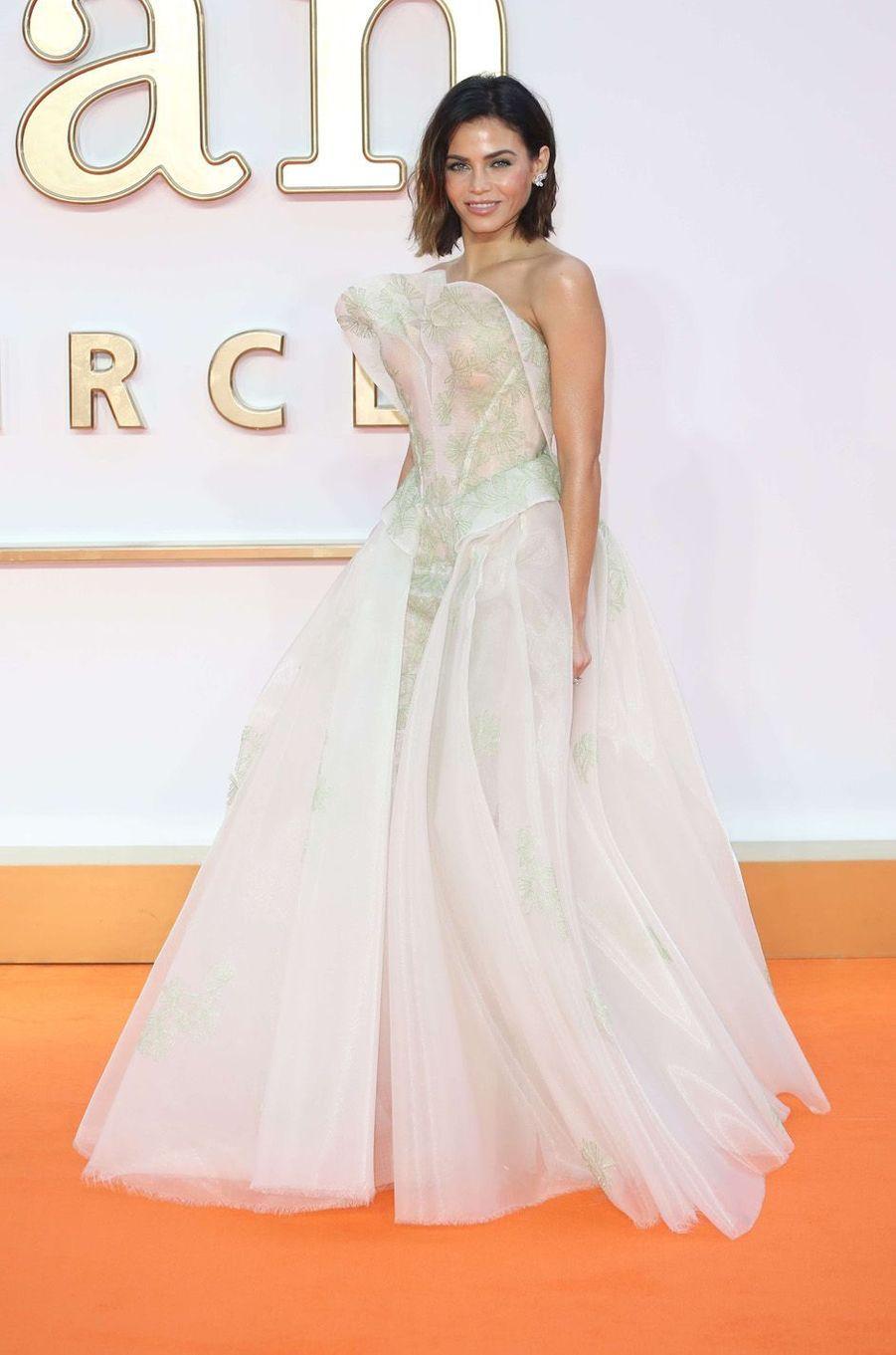 """Jenna Dewanà l'avant-première de """"Kingsman : le cercle d'or"""", à Londres le 18 septembre 2017."""