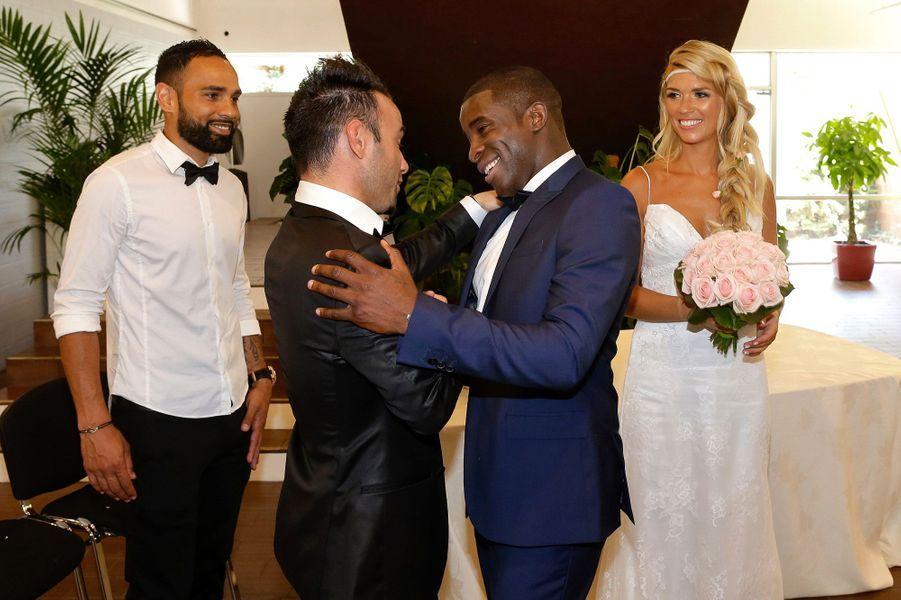 Mathieu Valbuena félicite les jeunes mariés