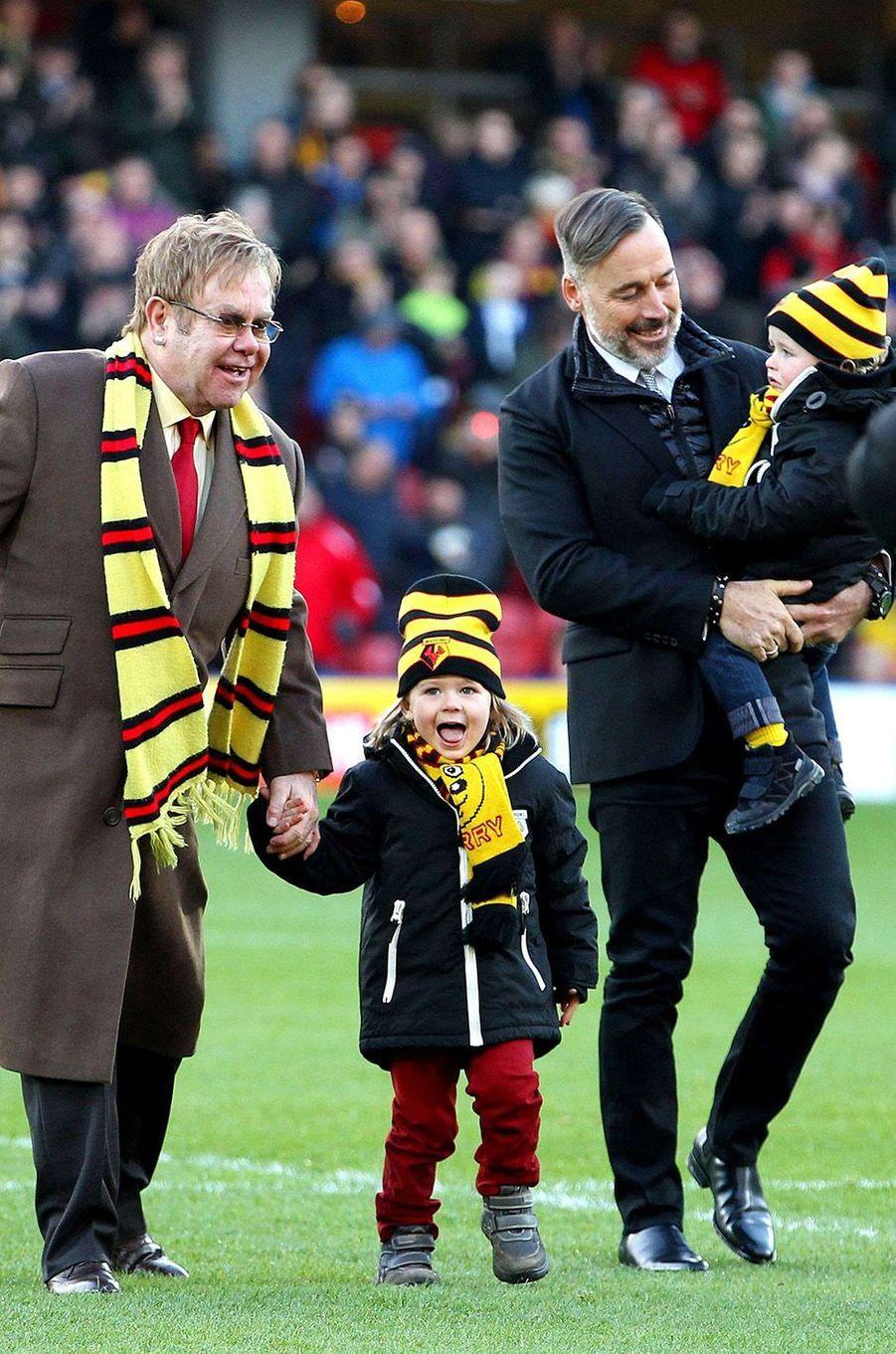Elton John et son compagnon ont adopté Zachary et Elijah.