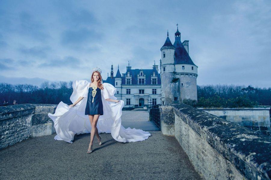 Chenonceau, «le château des dames», s'est trouvé une nouvelle reine.Port altier et démarche souveraine: Maëva règne