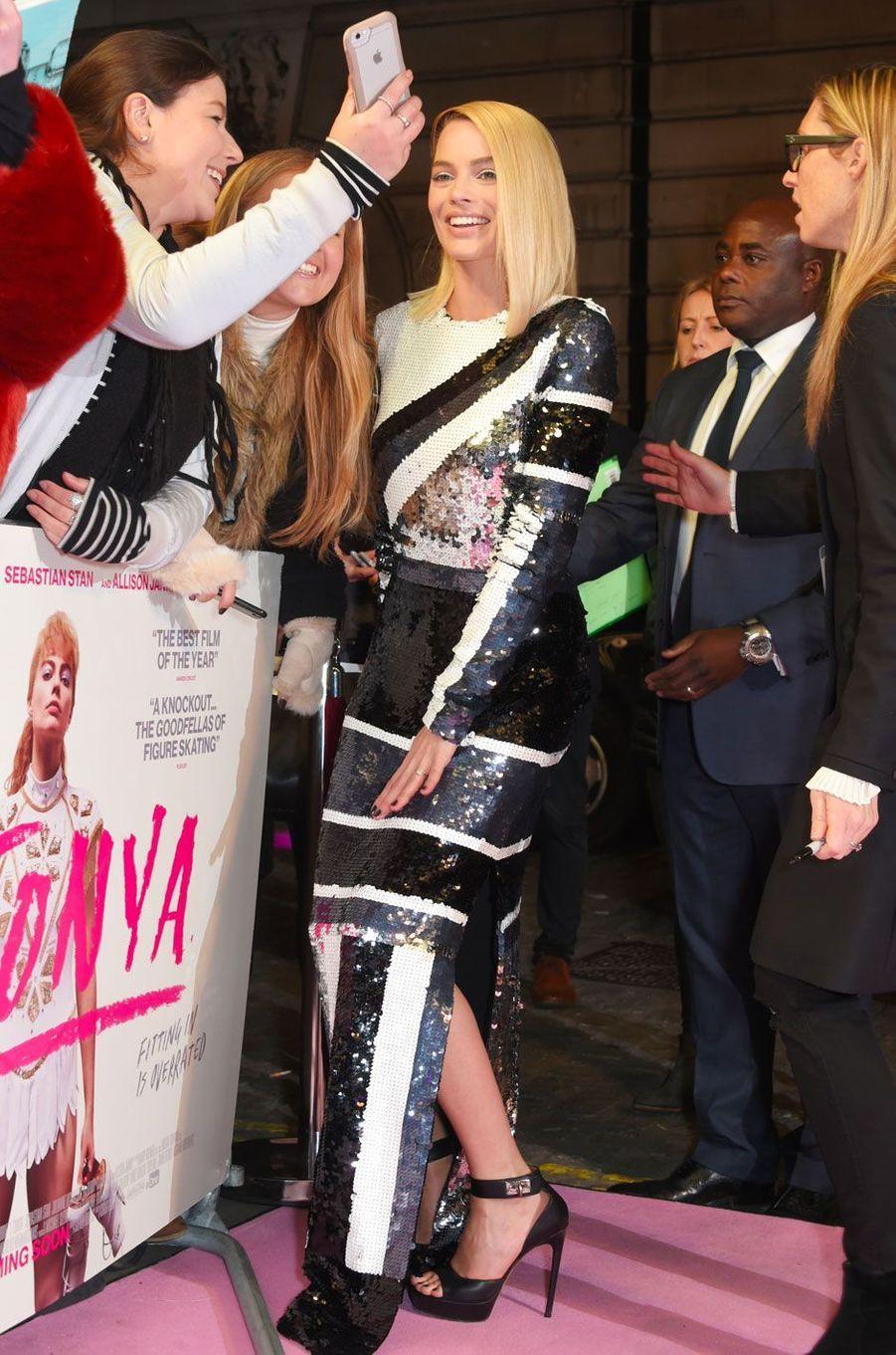 """Margot Robbie à la première de """"Moi Tonya"""" à Londres le 15 février 2018."""