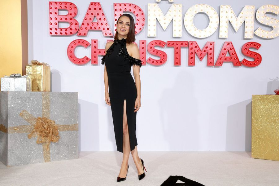 "Mila Kunis à la projection de ""Bad Moms 2"", le 30 octobre 2017 à Westwood."