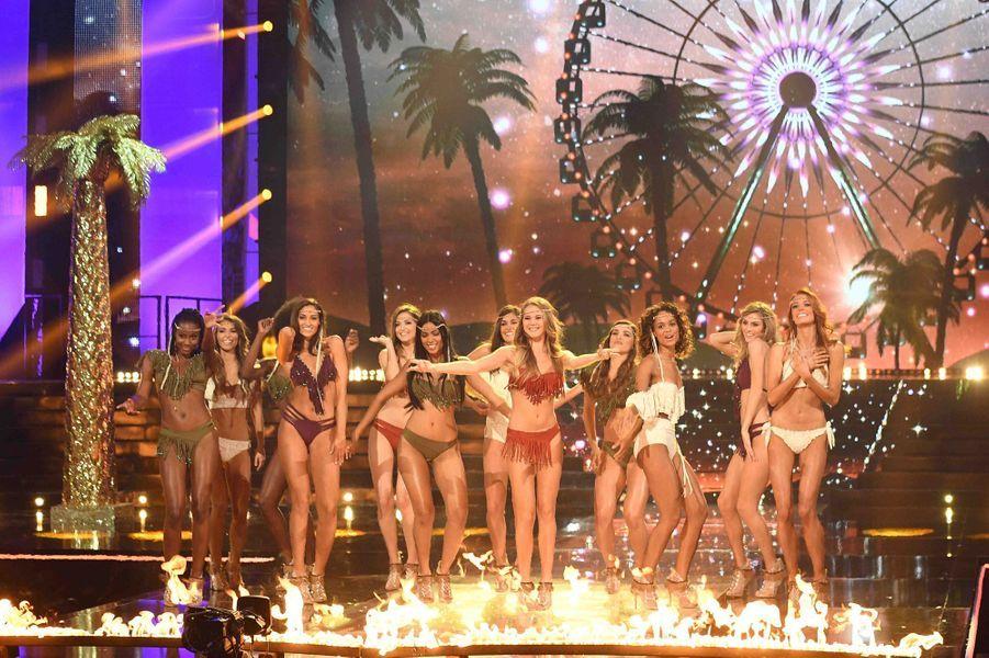 Les douze finalistes au concours Miss France 2018, le 16 décembre 2017 à Châteauroux.