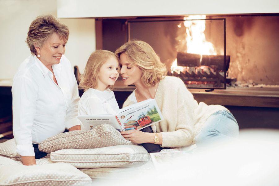 Avec Annick sa mère et Margaux sa fille 3 ans et demi. Une parenthèse près de Genève chez la sœur cadette de Sylvie avant l'élection de la nouvelle Miss France le 16 décembre sur TF1