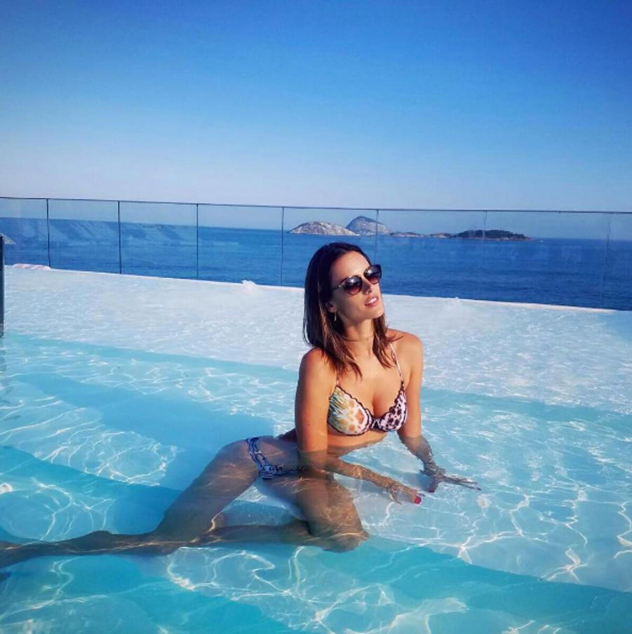 Alessandra Ambrosio à Rio.
