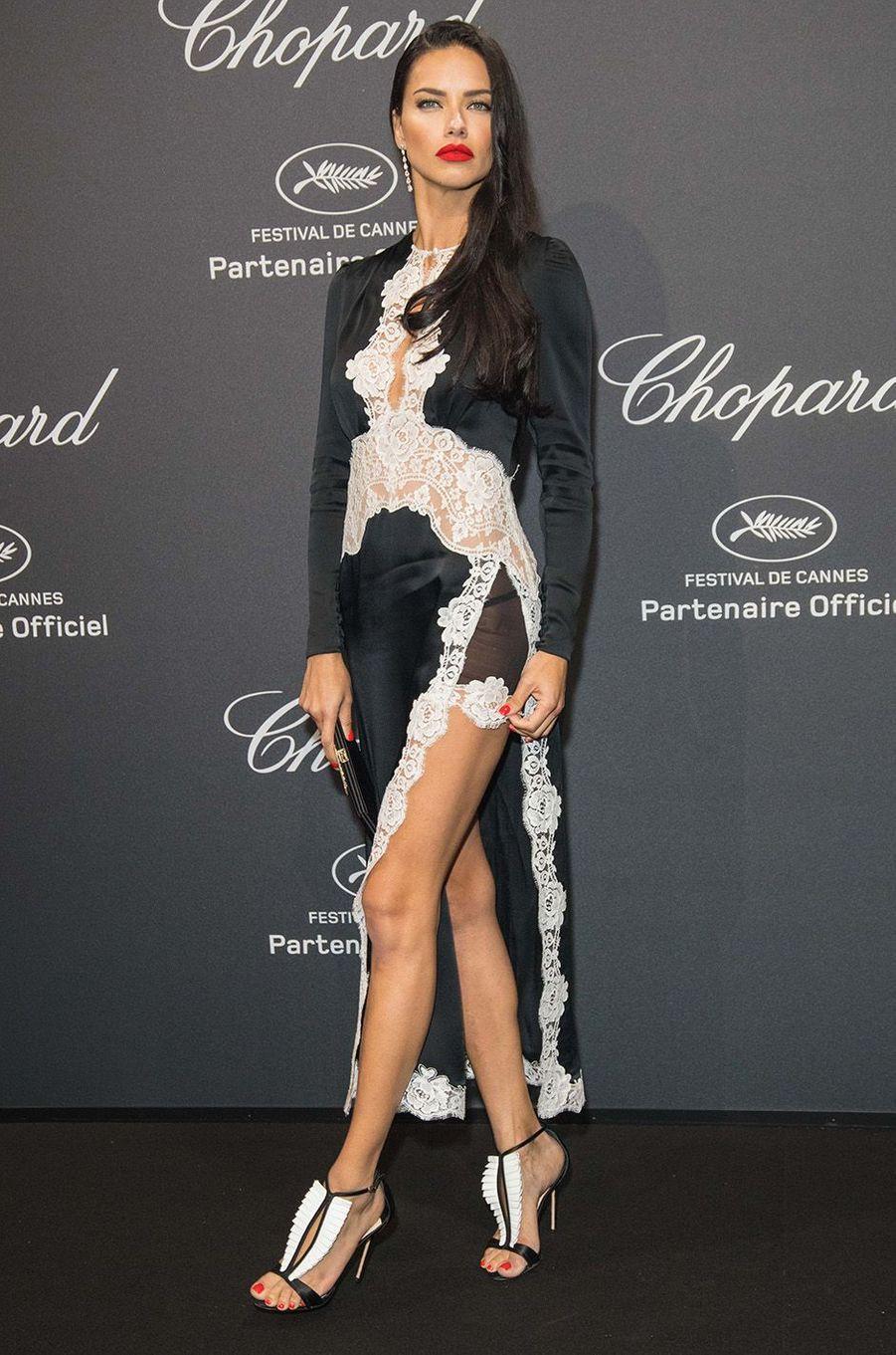 Adrianna Lima au gala Chopard, à Cannes, le 16 mai 2016.