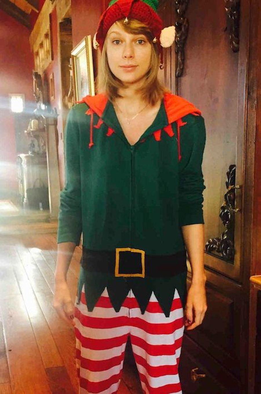 Taylor Swift, lutin de Noël et championne toutes catégories