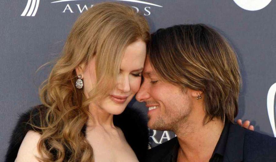 Nicole Kidman et Keith Urban, toujours très complices, et unis alors que le chanteur est reparti bredouille de la 46e cérémonie des Country Music Awards, qui s'est déroulée cette nuit à Las Vegas.