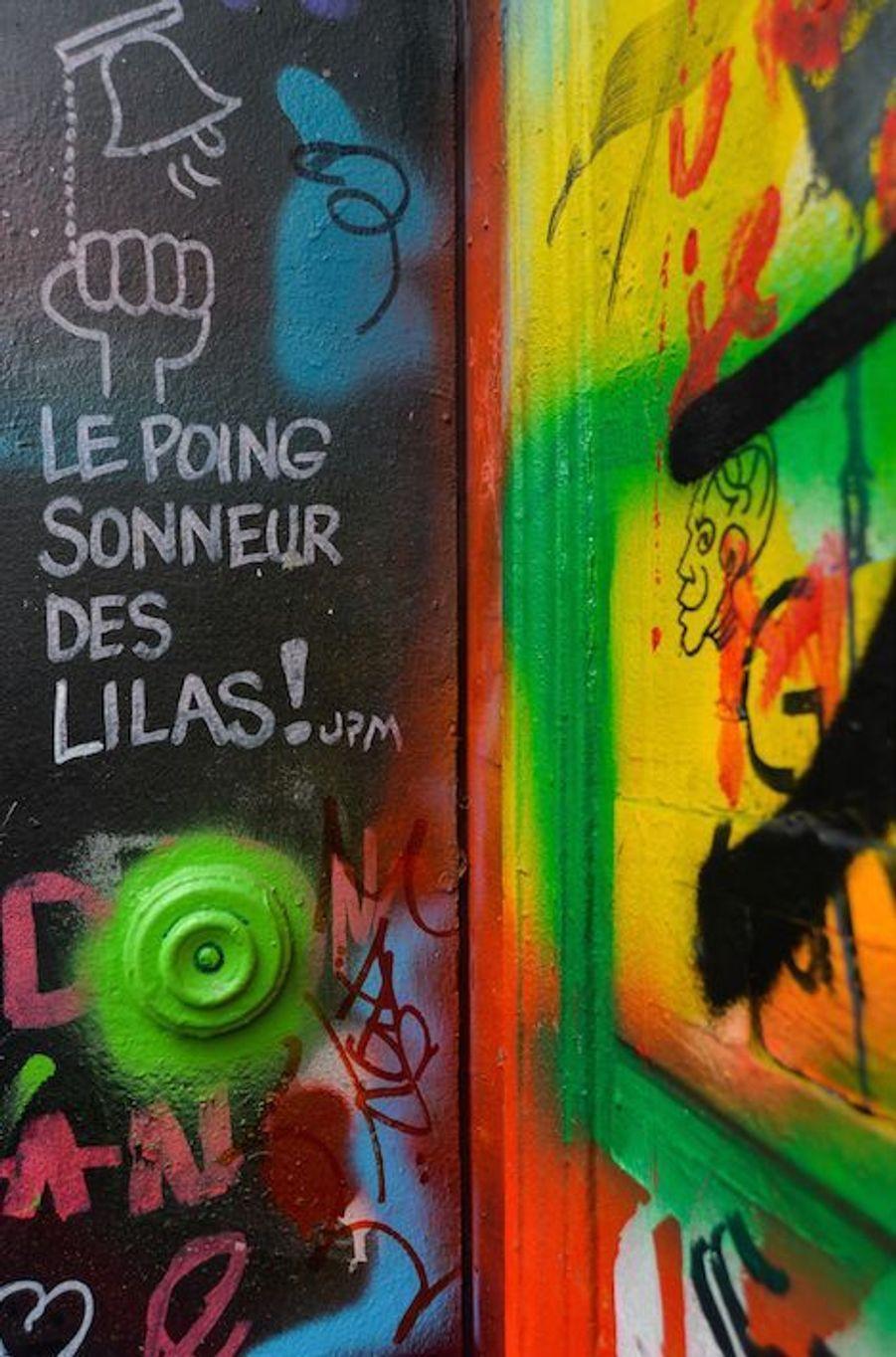 """""""Le poing sonneur des Lilas"""""""