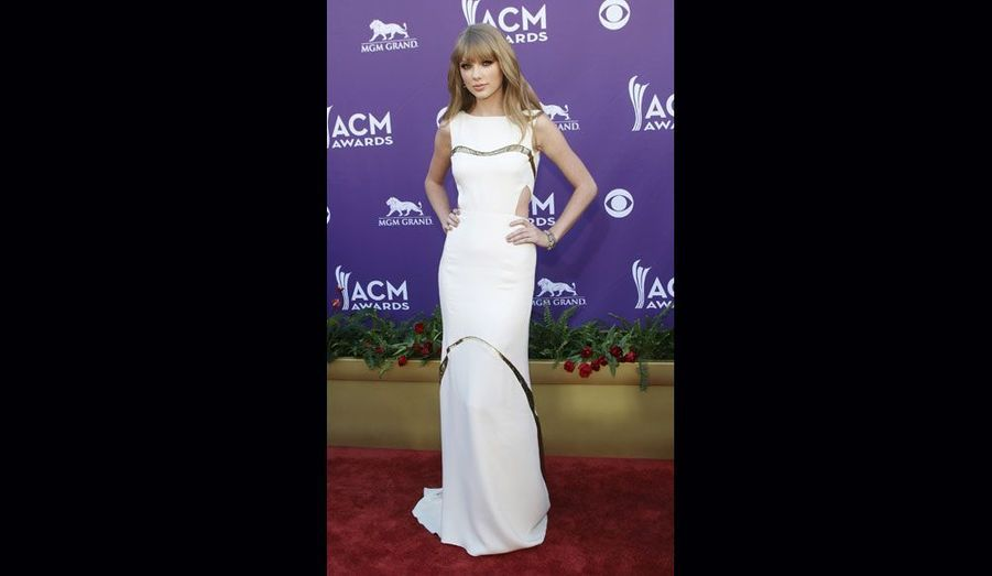 Alors que Taylor Swift devait venir accompagnée de l'un de ses fans gravement malade, la rencontre a dû être annulée. Le jeune homme de 18 ans atteint d'une leucémie a en effet été hospitalisé d'urgence.