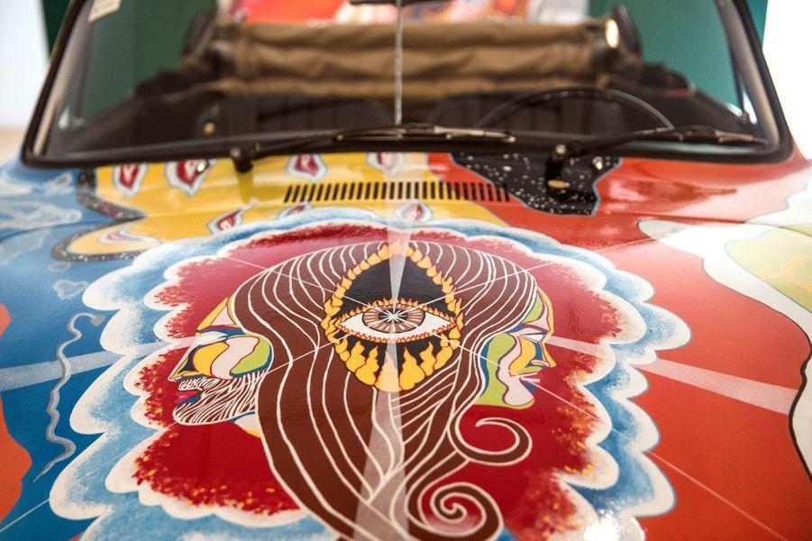 La Porsche psychédélique de Janis Joplin a été vendue aux enchères ce jeudi 10 décembre à New York.
