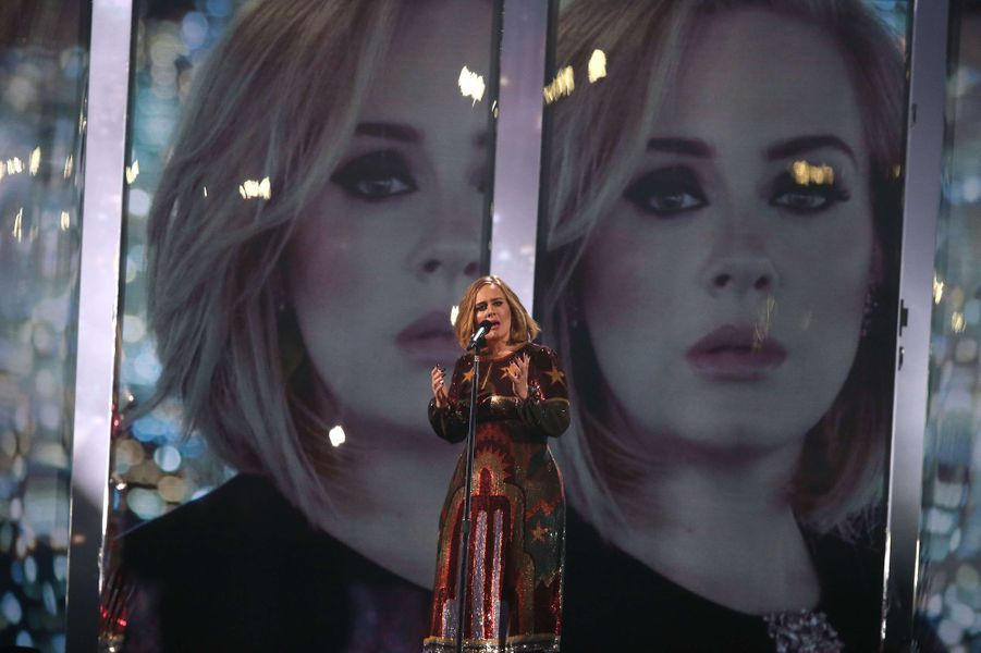 "Adele chante ""When we were young"" aux Brit Awards 2016, le 24 février 2016"