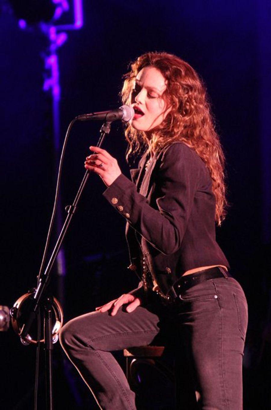 En concert à Los Angeles en février 2011.