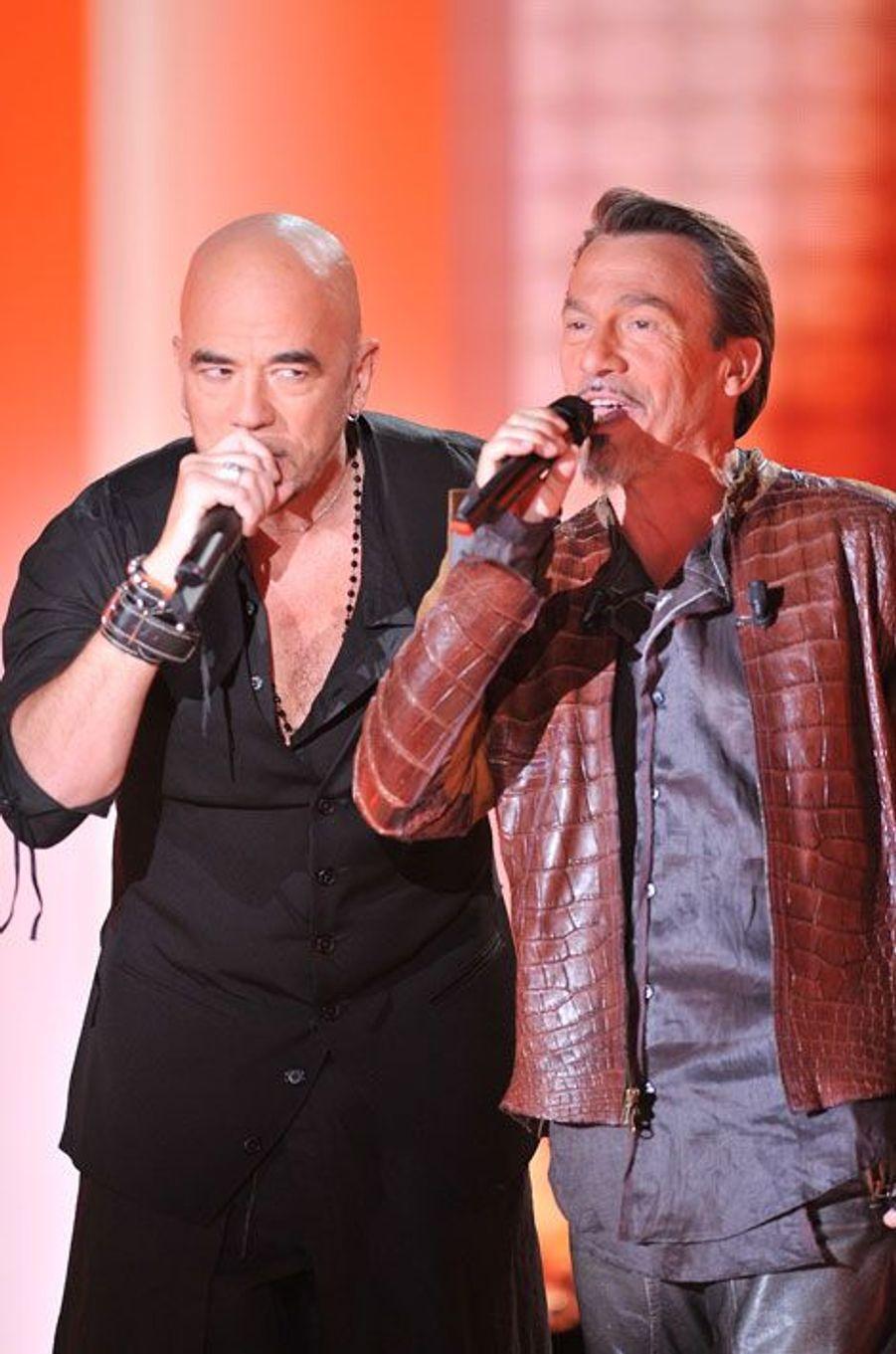 Florent Pagny et Pascal Obispo lors de l'enregistrement de Vivement Dimanche spécial Florent Pagny, sur France 2, le 3 mai 2011.