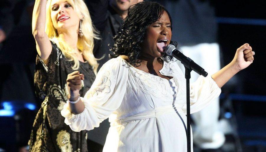 "La chanteuse Jennifer Hudson chante avec passion et conviction ""Will you be there""."
