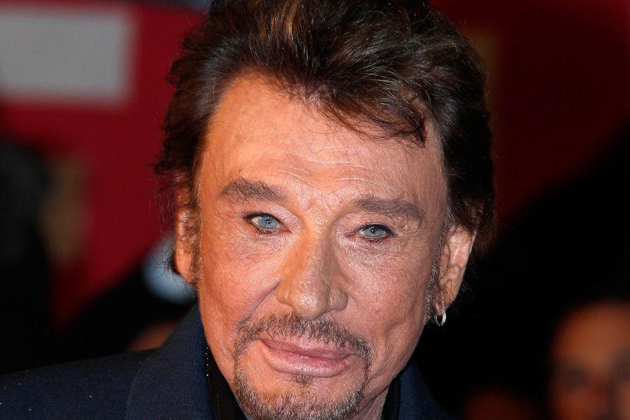 Les ventes du CD et du DVD de ses concerts donnés à Paris pour fêter ses 70 ans ont permis au rocker de gagner 3 millions d'euros l'année dernière.