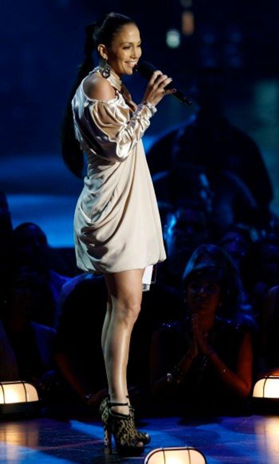 A 40 ans, Jennifer Lopez est toujours aussi radieuse.