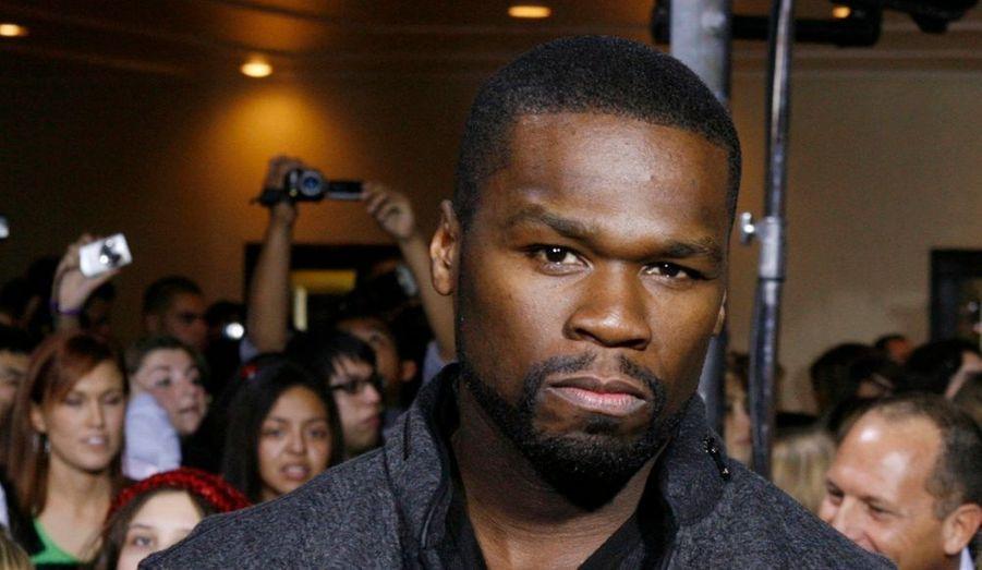 Alors qu'il sort un nouvel album toujours aussi sulfureux, le rappeur américain Fifty Cent a été aperçu lors de l'avant première du film Twilight 2.