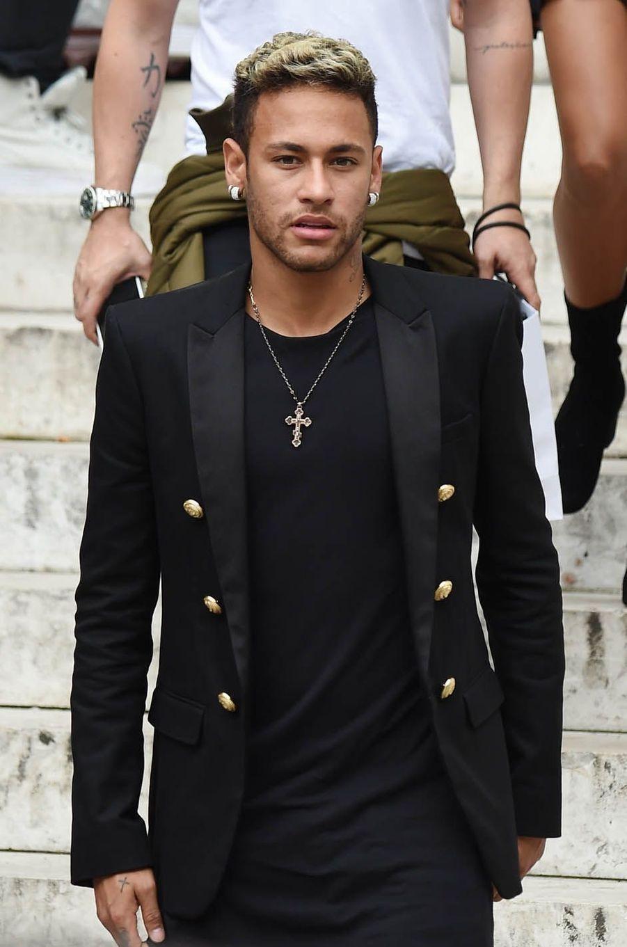 Neymarau défilé Balmain à Paris, le 28 septembre 2017.