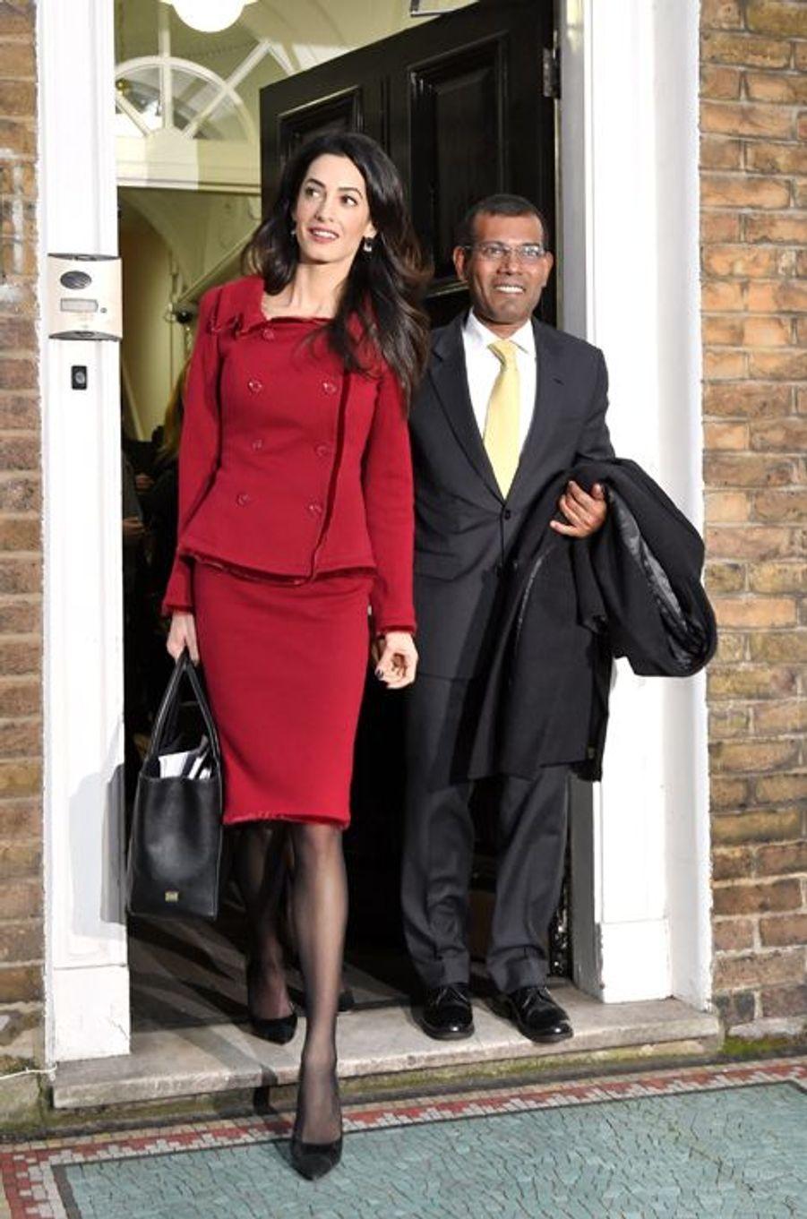 Amal Clooney et Mohamed Nasheed à Londres le 25 janvier 2016