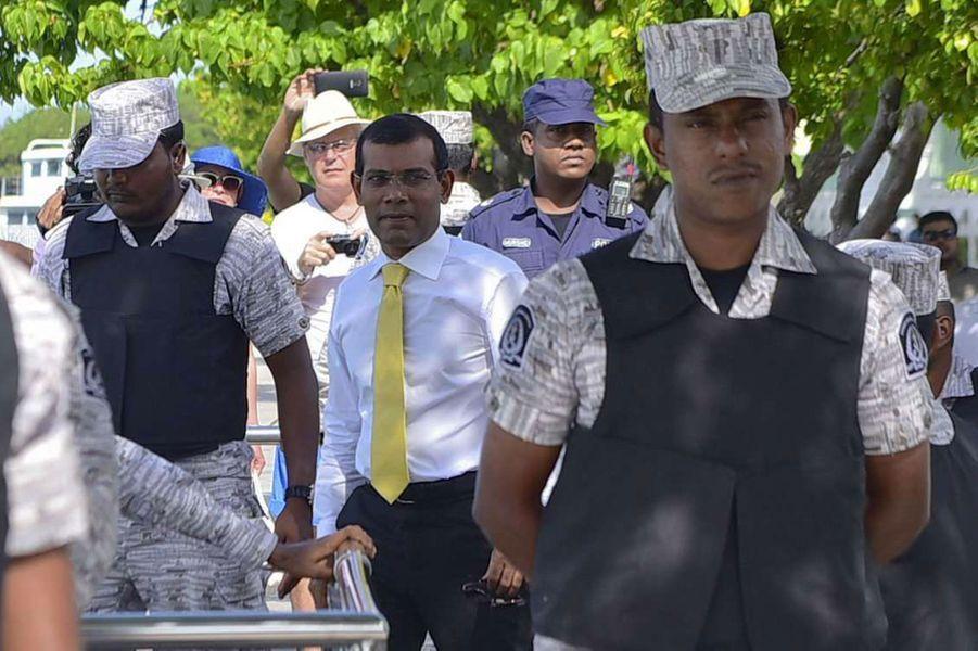 L'arrivée de l'ex-président au tribunal