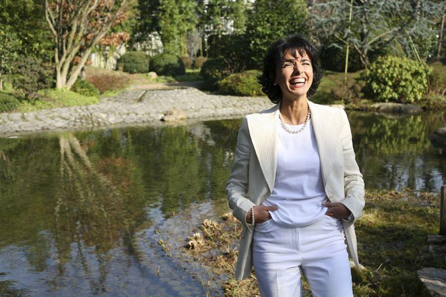 Rachida Dati dans les jardins japonais Albert-Khan à Boulogne.