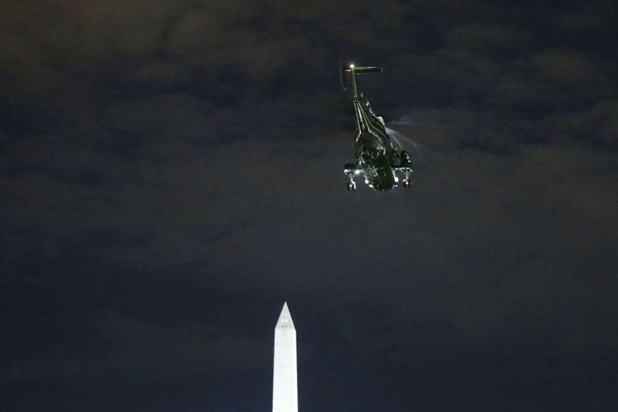 «Marine One» emmène la famille Obama jusqu'à «Air Force One», le Boeing 747 réservé aux présidents américains.