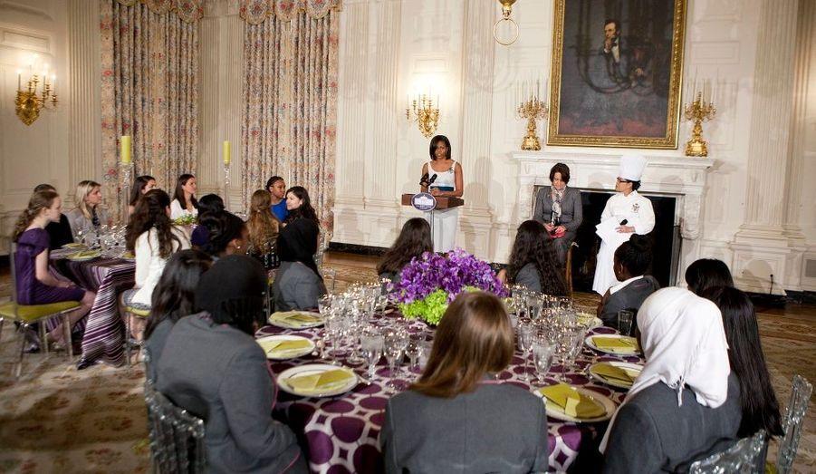 Avant le dîner de gala, Michelle Obama a organisé une rencontre avec des jeunes filles à la Maison Blanche.