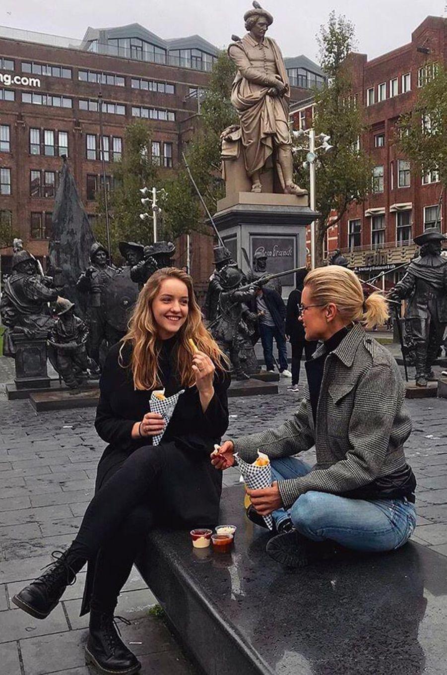 Joann van de Herik et sa tante Yolanda Hadid