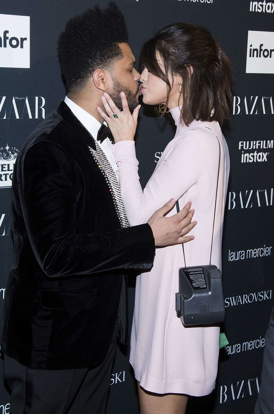 Selena Gomez et The Weeknd à la soirée Harper's Bazaar ICONS Party, à New York, le 8 septembre 2017.