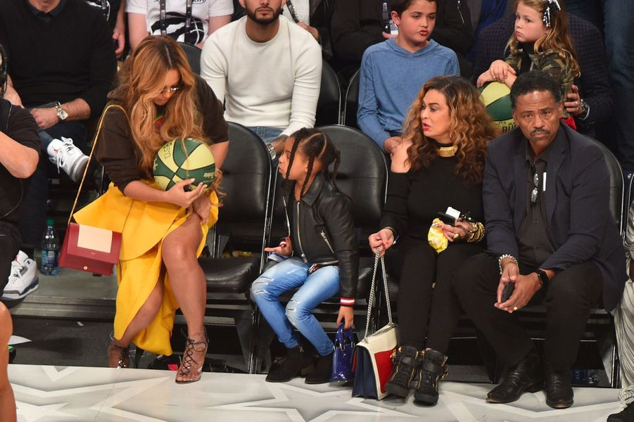 Beyoncé, Blue Ivy, Tina Knowles et Richard Lawson au NBA All-Star Game
