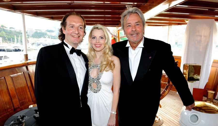 Eric et Juliane Cormier avec Alain Delon