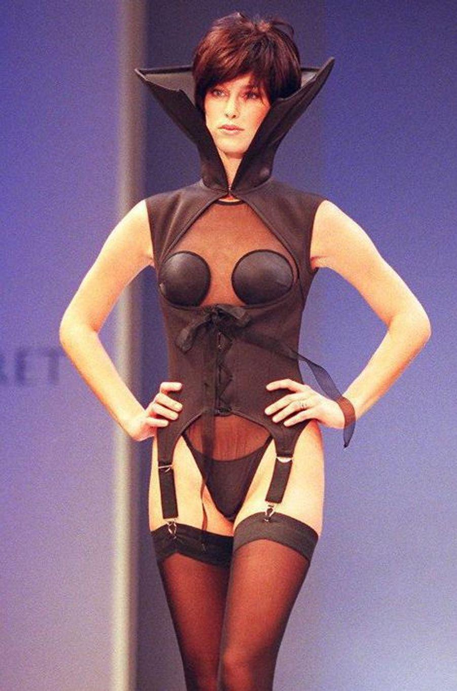Le défilé de la marque Victoria's Secret en 1997 à New York.