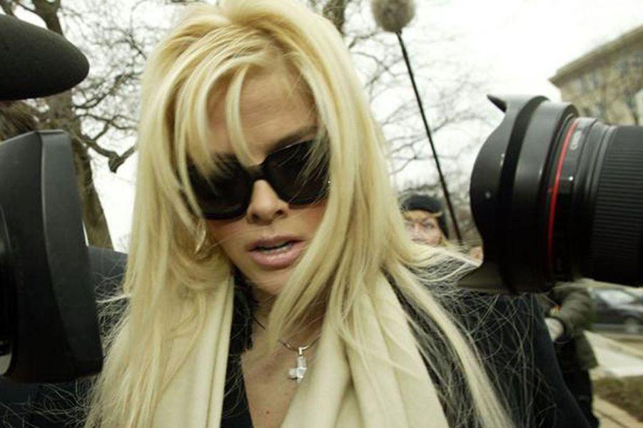 Anna Nicole Smith, l'ancienne playmate décédée après des années de bataille contre les héritiers du milliardaire nonagénaire qu'elle avait épousé, s'était déclaré en faillite au sommet de sa gloire de mannequin, en 1996. Son train de vie était adéquat avec son budget lorsqu'elle pouvait compter sur la fortune de son mari, estimée à 1,6 milliard de dollars, mais elle a dû tout arrêter lorsque la justice lui a interdit de toucher un dollar.