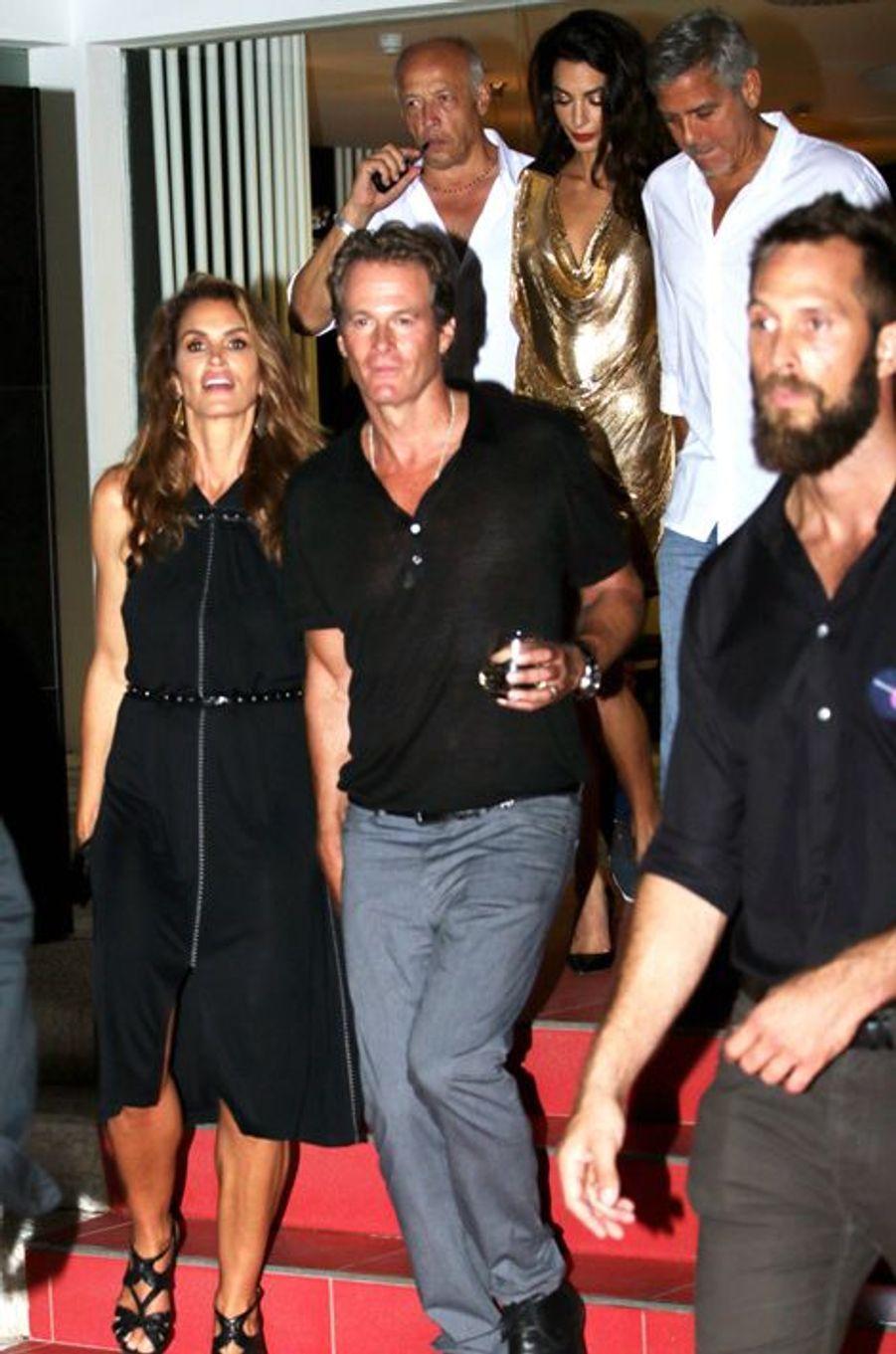 George et Amal Clooney ont passé le week-end dernier à Ibiza avec leurs amis pour le lancement de leur nouvelle marque de tequila.