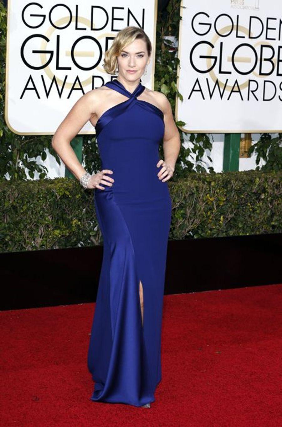 """Dimanche, la cérémonie des Golden Globes était organisée au Beverly Hilton Hotel de Los Angeles. Lors de cette 73e édition, l'industrie hollywoodienne a récompensé les nombreux films et artistes ayant marqué le cinéma ces derniers mois. Sacré pour sa prestation dans «The Revenant» (meilleur acteur dans un drame), Leonardo DiCaprio a attiré toute l'attention des caméras, à l'instar des comédiennes Brie Larson (meilleure actrice dans un drame pour «Room»), Jennifer Lawrence («Joy») ou bien encore Kate Winslet («Jobs»).En images : découvrez les lauréats de cette 73e éditionÀ lire aussi : """"The Revenant"""" triomphe aux Golden GlobesSur le tapis rouge des festivités, les stars sont apparues radieuses pour dévoiler leur plus belle robe. De Lanvin à Yves Saint Laurent, en passant par Marchesa, Reem Acra, Monique Lhuillier, Zuhair Murad et Michael Kors, les célébrités avaient jeté leur dévolu sur les créateurs les plus prestigieux.Retrouvez dans notre diaporama ci-dessus une sélection des tenues qui ont marqué cette 73e édition."""