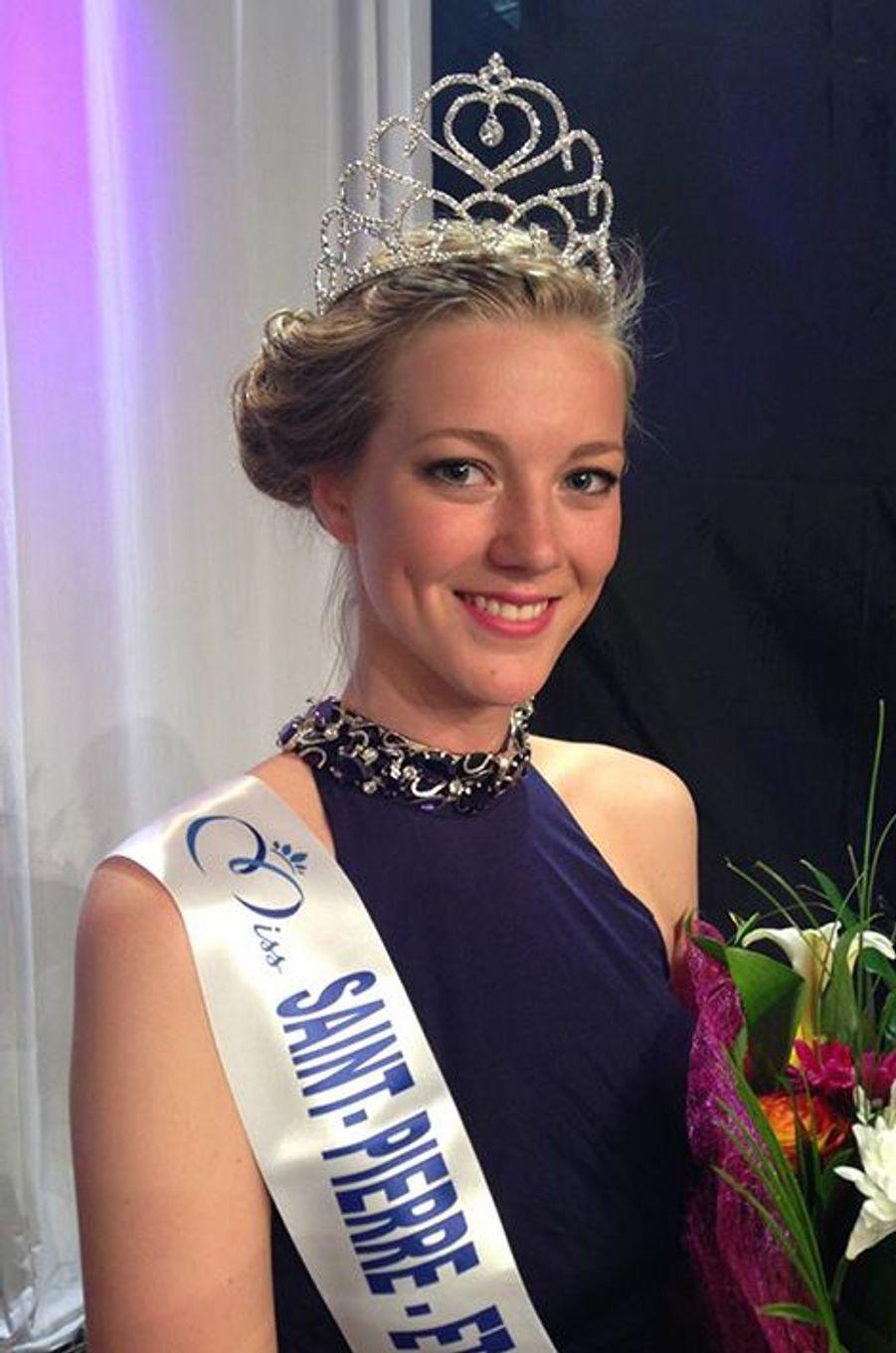 Miss Saint-Pierre et Miquelon - Julie Briand (18 ans - 1,76 m) - Étudiante en pharmacie