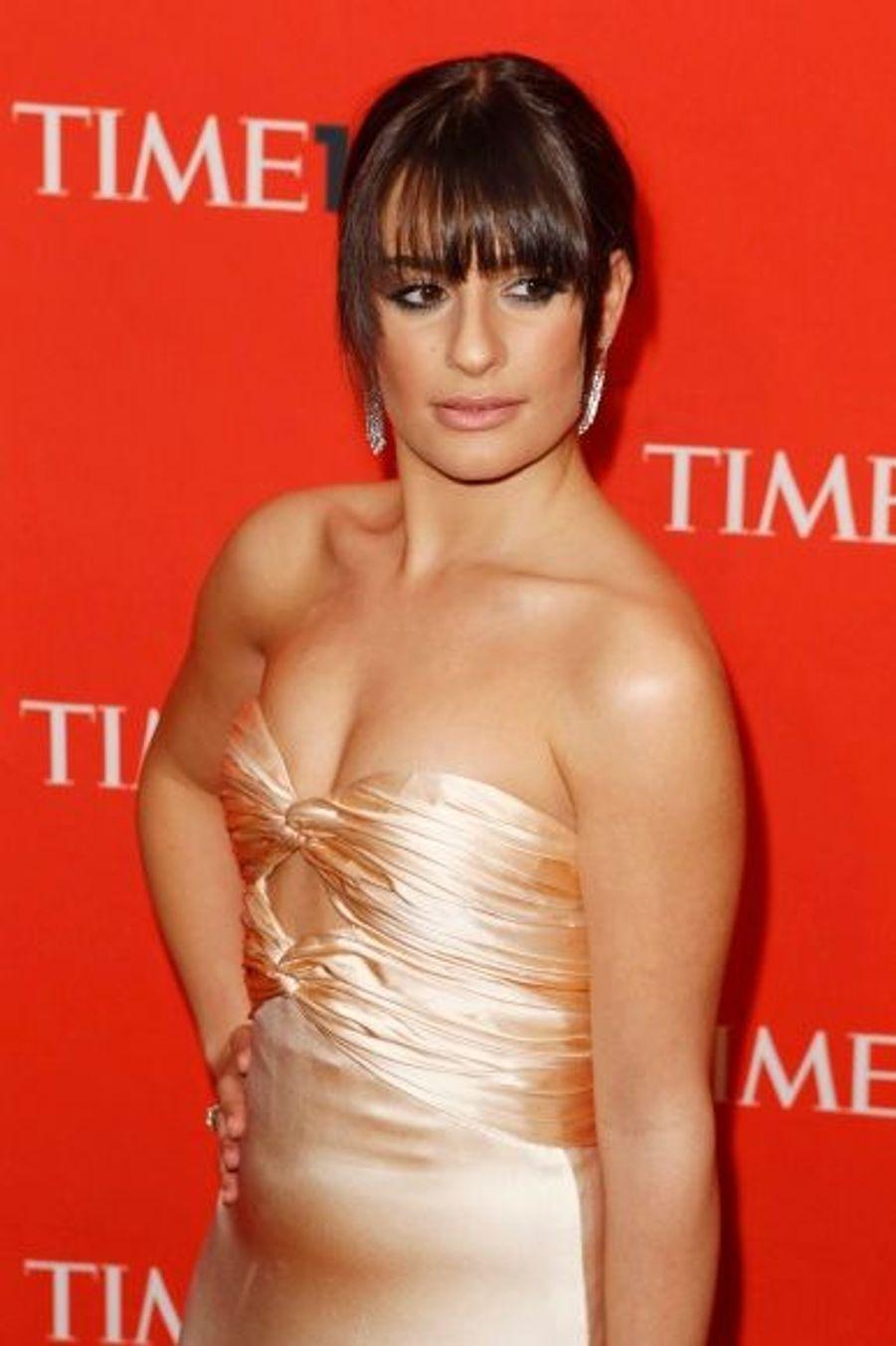 """La comédienne et chanteuse, star de la série Glee, est 13ème dans la catégorie """"artistes"""". C'est Olivia Newton John, légende de la comédie musicale depuis son rôle dans Grease, qui lui a rendu hommage."""