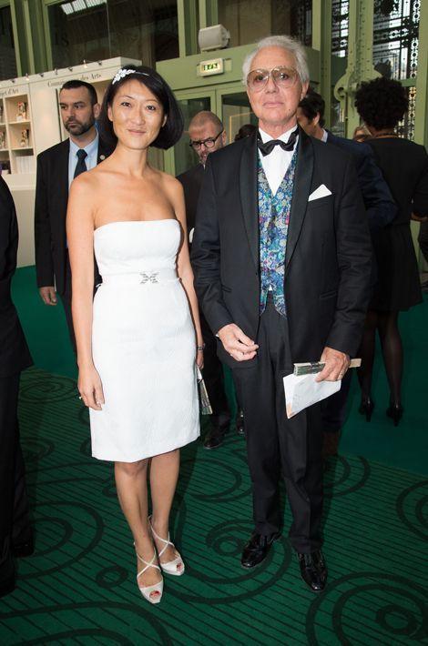 La ministre Fleur Pellerin et Jean-Gabriel Peyre (president du SNA) au dîner de gala de la Biennale des antiquaires à Paris, le 8 septembre 2014.
