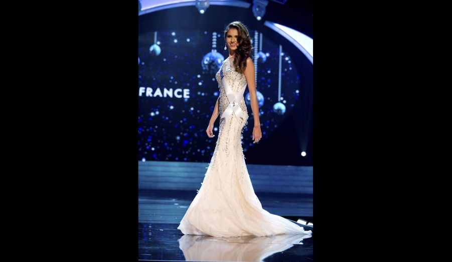 Jeudi soir, à Las Vegas, Marie Payet a passé «l'épreuve» de la robe de soirée, glamour et élégante.