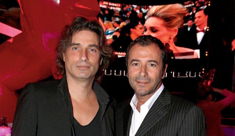 Richard Orlinski, dont les sculptures s'arrachent, et son copain Bernard Montiel.