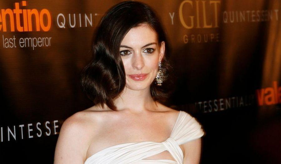 Connue notamment pour son rôle dans Le Diable s'habille en Prada, l'actrice américaine Anne Hathaway arrive en neuvième position.