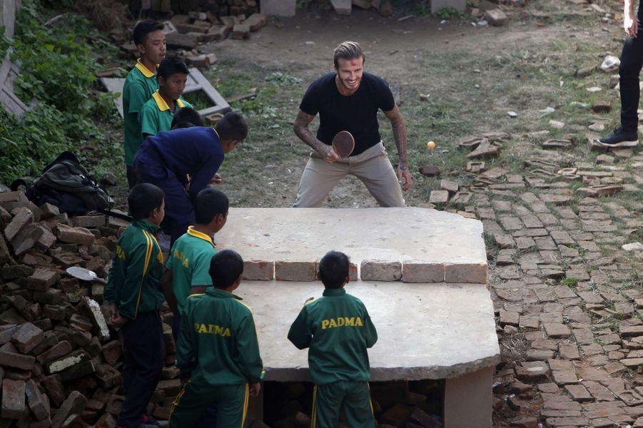 David Beckham. Sa rencontre avec les enfants du Népal