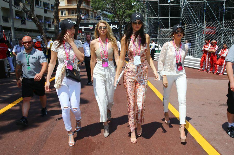 Bella Hadid, Gigi Hadid, Kendall Jenner et Hailey Baldwin à Monaco le 24 mai 2015