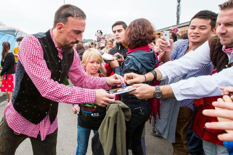 Franck Ribéry en famille à la Fête de la bière de Munich, le 5 octobre 2014.