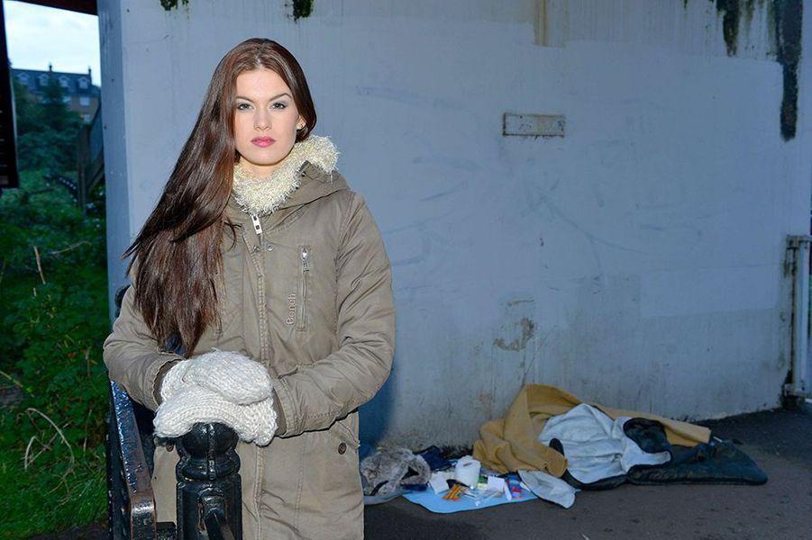 Carina Tyrrell, alias Miss Angleterre 2014, soutien le «World Homeless Day» à Cambridge le 3 octobre 2014